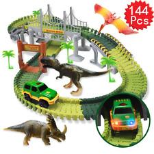 Dinosaurier Rennstrecke Set mit 144er Gleisblöcke Autorennbahn Kinder Spielzeug
