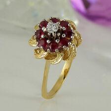 Ring 750 Gelbgold 18K 8 Rubin Edelsteine 0,60ct 1 Diamant 0,10ct Wesselton vsi