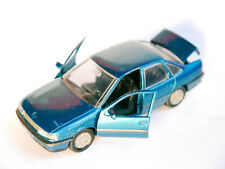 Opel Vectra A Limousine 4 door saloon in blau bleu blue metallic, Gama in 1:43