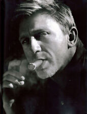 Daniel Craig UNSIGNED photograph - L8023 - Handsome English actor - NEW IMAGE
