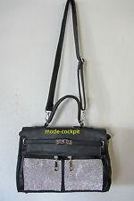 Unifarbene Damentaschen aus Kunstleder und Deckelklappe