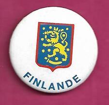 RARE VINTAGE 1980S HOCKEY TEAM FINLAND PINBACK  (INV# A9348)