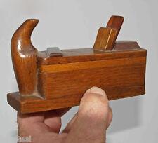 ancienne tabatière en forme de rabot - tabac - art populaire