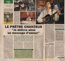 Coupure de presse Clipping 1993 Bruno Petit le prêtre chanteur (1 page 1/2)