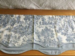 1~VINTAGE~ JC PENNEY HOME BLUE & OFF WHITE TOILE SCALLOPED CHECKERED VALANCE #22