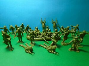 BMC/Marx 1/32 scale WWII US Soldiers  x31 (green)