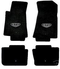 LLOYD Classic Loop™ Ebony FLOOR MAT SET logos on front mats 2005-06 Pontiac GTO