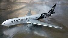 ** Herpa Wings 528450 Air New Zealand Boeing 777-200 1:500 Scale