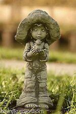 sculpture en pierre fille LOTTI AVEC OISEAU DE SARAH KAY Fonte résistant au gel