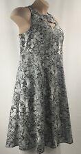 Torrid Womenns Dress Black White Floral Knee Length A-Line Empire Waist Size 14