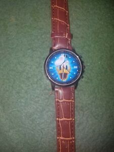 Donald Duck watch. Leather band. Quartz movement with analog display.