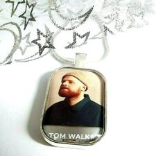TOM WALKER SINGER NECKLACE DANCE MUSIC GIFT BOXED 22 INCH CHAIN PARTY BIRTHDAY