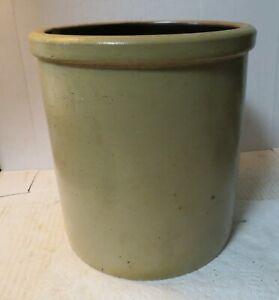 Red Wing Minnesota Stoneware 1 gallon salt glaze crock 7-3/4 x 8' tall