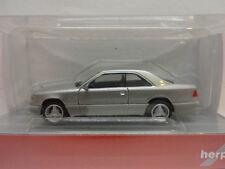Herpa 038782 Mercedes-Benz E 320 Coupe silbermetallic 1:87 Neu