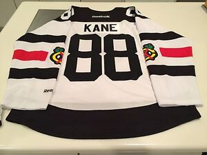 Chicago Blackhawks Patrick Kane Reebok White 2016 Stadium Series Jersey XL