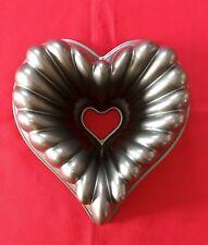 Nordic Ware Heart Shaped ❤️ 10 Cup Cast Aluminum Bundt Cake Pan