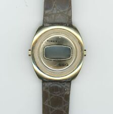 TIMEX SSQ GOLD WRIST WATCH WITH BROWN BAND DIGITAL   0737