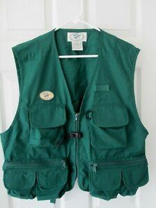 LL Bean Mens L Green Hiking Camp Photographer Fly Fishing Vest pockets zipper