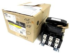 NEW GENERAL ELECTRIC CR305E002 CONTACTOR 3 POLES SIZE 3