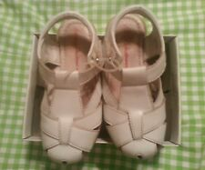 Hanna Andersson white fisherman sandals size 29