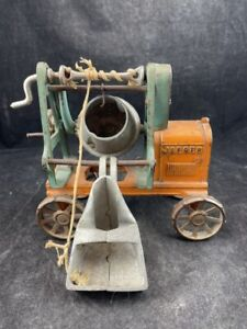 ORIGINAL ANTIQUE CAST IRON JAEGER CEMENT MIXER CONSTRUCTION TOY BY KENTON