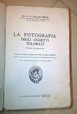 MEES LA FOTOGRAFIA DEGLI OGGETTI COLORATI MANUALE D'ORTOCENTRISMO