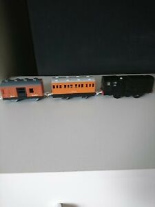 TOMY TRACKMASTER 1997 THOMAS THE TANK  MOTORISED DIESEL TRAIN SODOR MAIL&ANNIE