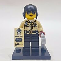 "LEGO Collectible Minifigure #8684 Series 2 ""TRAFFIC COP"" (Complete)"