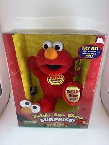 2000 Fisher Price Tickle Me Elmo Surprise 5th Anniversary Edition NIB VTG Rare