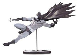 Black & White Batman 7.3-Inch Limited to 5000 Statue [Doug Mahnke]