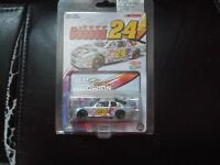 2000 JEFF GORDON 24 DUPONT NASCAR 2000 1 64TH SCALE DIECAST