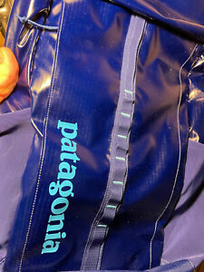 Brand NEW PATAGONIA Black Hole Back pack 25 Liter, Navy Blue NWT Knapsack $129