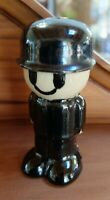Vintage  Pie Bird Vent Simplistic Fred Black & White Bobby