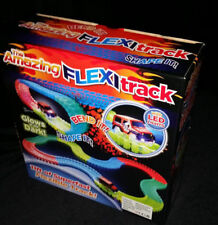 Flexi Binario incredibile Glow-in-the-Dark TRACK 165pc 11ft e auto con luci a LED