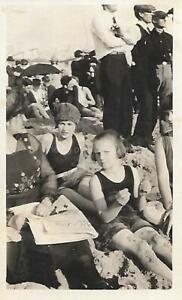 Found ANTIQUE PHOTOGRAPH bw A DAY AT THE BEACH Original Snapshot 15 3 C