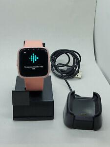 Fitbit Versa Fitness Smartwatch - Peach/Rose-Gold Aluminium FB504 RUNNING