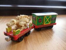 Take Along n play Thomas Tank & Friends Train - SODOR MUSEUM & DINOSAUR CAR