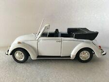 REVELL VW Kafer cabriolet sans boîte 1/18.