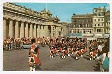 Postcard - Edinburgh - Pipes and Drums - White PT37030, 1972 Regional stamp