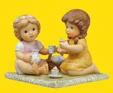 Goebel Nina Marco Porzellan Neuware Porzellanfigur - Picknick im Garten 11743069
