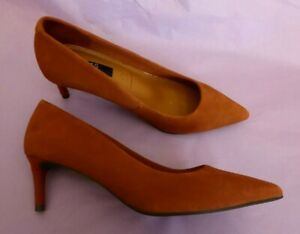 """Marks & Spencer UK3.5 5.5 7.5 NEW terracotta suede (leather) 2.5"""" court shoes"""