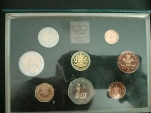 1983 Royal Mint Proof Coin Set of Great Britain & Northern Ireland with COA