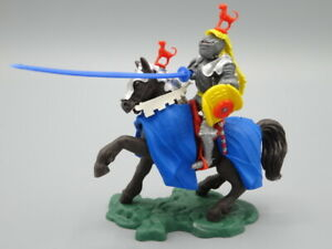 BRITAINS SWOPPET KNIGHT, MOUNTED REARING & ATTACKING WITH LANCE, Toy Soldiers