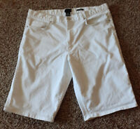 HM Men's White Size 34 Slim Fit Jean Shorts NWOT!