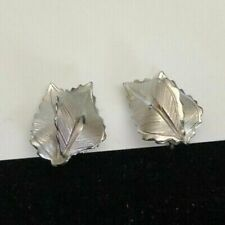 Shape Clip On Earring Giovanni Silver Tone Leaf