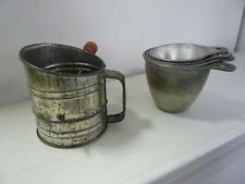 Vintage Kitchen flour sifter and 4 measuring cups - Antique