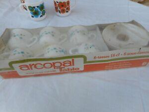 RARE & NEUF ARCOPAL FRANCE Vintage Lot TASSES SOUCOUPES emballé Fleurs Myosotis