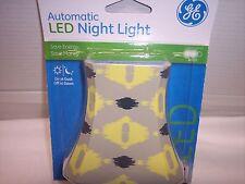 Night Light, LED Automatic Geometric Shade, Yellow & Grey, GE