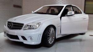 1:24 Mercedes C Classe C63 CL 63 CL63 AMG V8 Détaillé Modèle Voiture Blanc