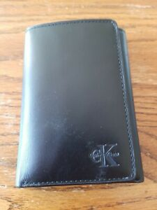NWOT Calvin Klein Men's Smooth Leather Trifold Wallet, Black, Excellent